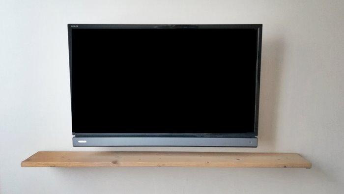 テレビ 壁掛け